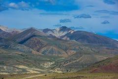 Verschiedene farbige Berge lizenzfreies stockbild
