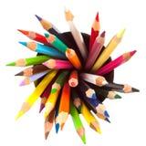 Verschiedene farbige Bleistifte mit weißem Hintergrund Stockbild