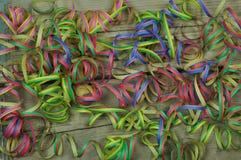 Verschiedene farbige Serpentine für Karneval Stockfotografie