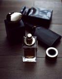 Verschiedene Flaschen Parfüm Stockfotografie