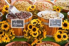 Verschiedene französische Oliven Lizenzfreie Stockfotos