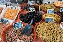 Verschiedene französische Oliven lizenzfreies stockfoto