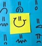 Verschiedene Gefühle gezeichnet auf Post-It Stockfotografie