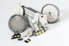 Verschiedene geführte Birnen G4, GU10, MR16, R7s und einzelne Chips Stockbilder