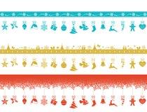 Verschiedene Grenzen mit hängenden Weihnachtsverzierungen Stockbild