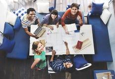 Verschiedene Gruppen-Leute, die Konzept zusammenarbeiten Lizenzfreie Stockfotos