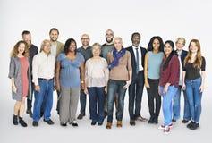 Verschiedene Gruppen-Leute-stehendes Konzept stockbilder