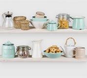 Verschiedene Küchengeräte und -Lebensmittelinhaltsstoffe lokalisiert auf hölzernen Regalen Stockbild