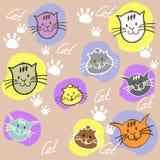 Verschiedene Katzen des nahtlosen Satzes Farbmit Aufschrift und Tatze prin Lizenzfreie Stockfotografie