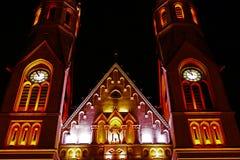 Verschiedene Kirchennacht, die 1 beleuchtet Stockfoto