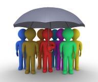 Verschiedene Leute unter Regenschirm Lizenzfreie Stockfotos