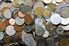 Verschiedene Münzen aus Ländern Stockbild