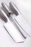 Verschiedene Messer mit Bleistiftspitzer Stockbilder