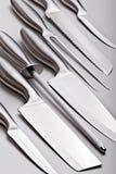 Verschiedene Messer mit Bleistiftspitzer Lizenzfreie Stockfotografie