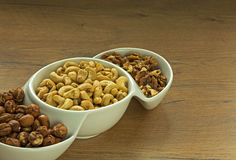 Verschiedene Nüsse in einer Schüssel Lizenzfreie Stockfotos