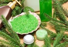 Verschiedene natürliche kosmetische Produkte für skincare mit firry Kleie Stockbilder
