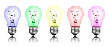 Verschiedene neue Ideen - Reihe der farbigen Glühlampen stockbilder