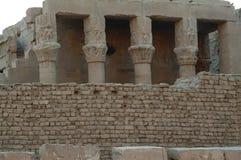 Verschiedene Spalten Ionen-, dorisch im Tempel des Gottes Horus in Edfu-Insel, Ägypten, Nord-Afrika stockbilder
