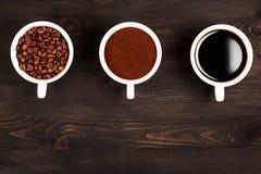 Verschiedene Stadien der Zubereitung des Kaffees lizenzfreies stockfoto