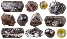 Verschiedene Tourmalineedelsteinsteine lokalisiert Stockfoto