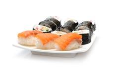 Verschiedene Typen der Maki Sushi im Sushi-Set Lizenzfreies Stockbild