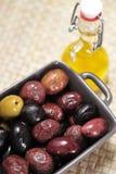 Verschiedene Typen der Oliven Stockfoto