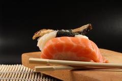 Verschiedene Typen der Sushi Lizenzfreie Stockfotos
