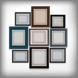 Verschiedener Farbrahmen auf weißer Wand Lizenzfreie Stockfotografie