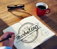 Verschiedener Geschäftsmann Brainstorming About Marketing Lizenzfreies Stockbild