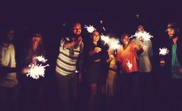 Verschiedenes ethnisches Freundschafts-Partei-Freizeit-Glück-Konzept Stockfoto