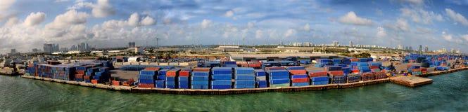 Verschiffungshafenleitartikel 30. Mai 2017 Miamis, Florida Stockbilder