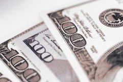 Verschillende bankbiljetten 100 dollars Royalty-vrije Stock Afbeeldingen