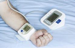 Verschillende bloeddrukmetingen Stock Foto