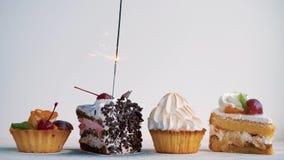 Verschillende cupcakes met sterretjes Idee voor vakantie, verjaardagen, verjaardagen, vieringen en partijen stock video