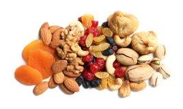 Verschillende droge vruchten en noten op witte achtergrond royalty-vrije stock foto