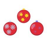 Verschillende gekleurde Kerstmisballen met ornamenten Stock Afbeelding