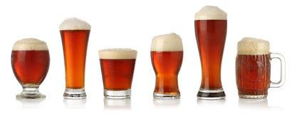 Verschillende glazen koud bier Stock Foto's