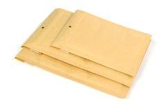 Verschillende grootte drie bel gevoerde het verschepen of verpakkingsenveloppen Stock Foto's