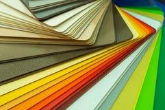 Verschillende houten steekproeven voor meubilair Selectie van verschillende kleuren en texturen Binnenlandse ontwerp en meubilair Stock Foto's