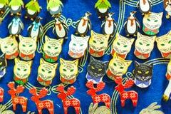 Verschillende kleine keychains, katten stock afbeelding