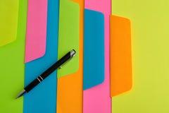 Verschillende kleurendocumenten en enveloppen Royalty-vrije Stock Fotografie