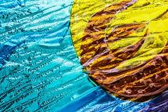 Verschillende kleurenstukken van ondoorzichtig gebrandschilderd glas stock afbeeldingen