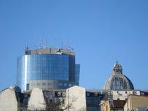Verschillende leeftijden en stijlen die daken in de stad bouwen Royalty-vrije Stock Afbeeldingen