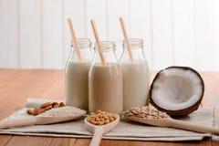 Verschillende melk zonder lactose royalty-vrije stock afbeelding