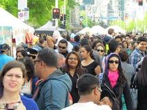 Verschillende rassen in een menigte Royalty-vrije Stock Foto