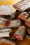 Verschillende salamiproducten royalty-vrije stock afbeeldingen