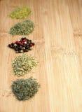 Verschillende soorten van droge kruiden Stock Foto's