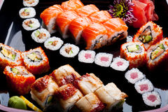Verschillende sushibroodjes. Stock Afbeeldingen