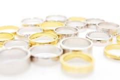 Verschillende trouwringen Stock Fotografie