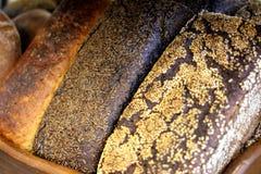 Verschillende types van heerlijke bakkerijproducten van bloem van het hoogst stock afbeeldingen